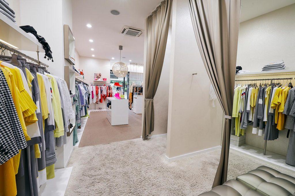 Loriet Negozio Abbigliamento Donna ad Abano Terme, stile, moda e raffinatezza, capi casual e lusso di qualita